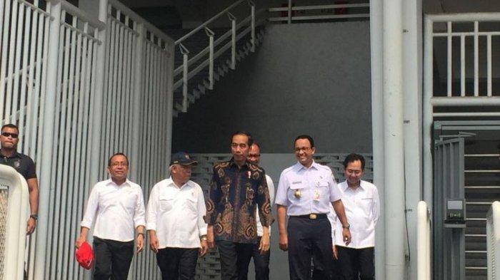 Tinjau Fasilitas Difabel di GBK Bersama Anies Baswedan,  Jokowi Mengaku Cukup Puas
