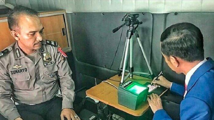 Manfaatkan Layanan SIM Keliling, Jokowi Perpanjang SIM Miliknya