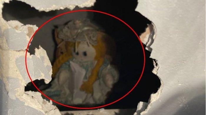 Viral Kisah Pria Temukan Boneka Misterius di Dinding, Merinding saat Baca Surat yang Ditinggalkan