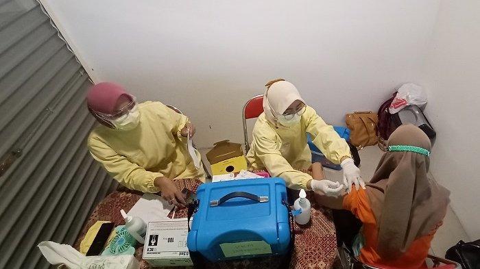 Kebut Vaksinasi, Ratusan Pedagang di PGS Solo Terima Vaksin Covid-19 Dosis Kedua