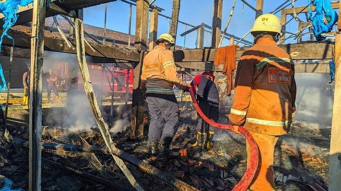 Nasib Supartini, Lagi Laris-larisnya Momen Puasa & Jelang Lebaran, 7 Ribu Ayamnya Terbakar Jadi Abu