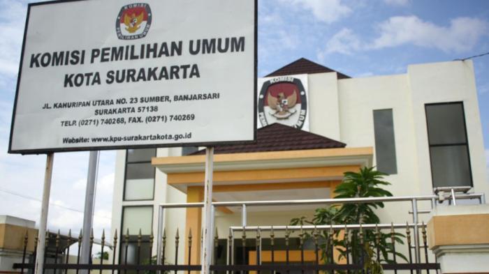 KPU Solo Kembalikan Sisa Anggaran Pilkada Surakarta 2015 Sebesar Rp 3,6 Miliar