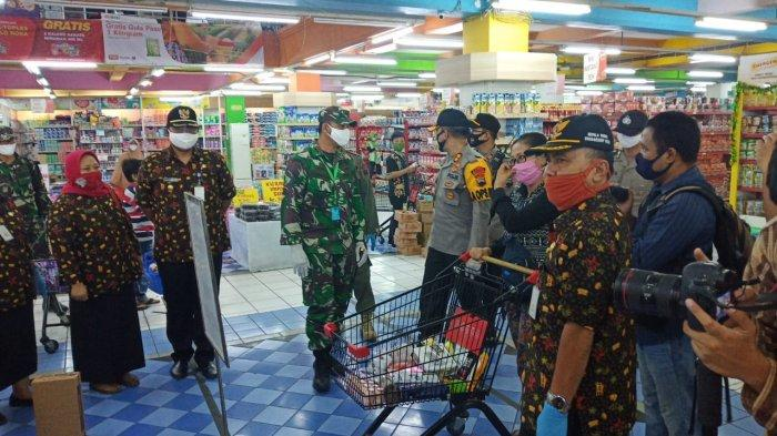 Sambut New Normal, Pucuk Pimpinan TNI dan Polisi di Sukoharjo Sidak Pasar Tradisional hingga Modern