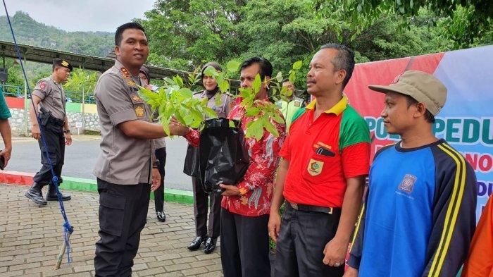 Polres Wonogiri Tanam 2.000 Pohon di Waduk Gajah Mungkur untuk Penghijauan