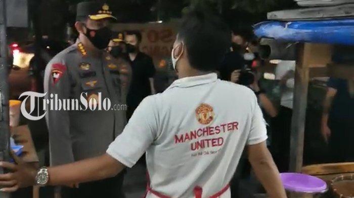 Kapolri Jenderal Listyo Sigit Kagetkan Bakul Wedangan di Solo, Obrolkan ini Pakai Bahasa Jawa Halus