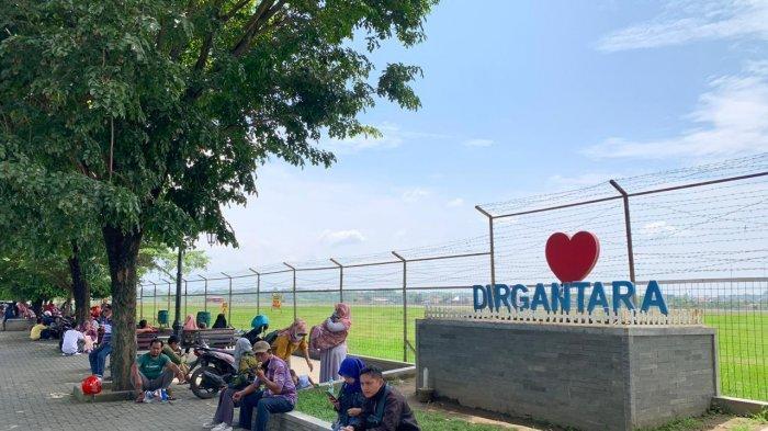Menghabiskan Sore di Kawasan Bandara Adi Soemarmo Solo, Bisa Nongkrong Hingga Lihat Pesawat