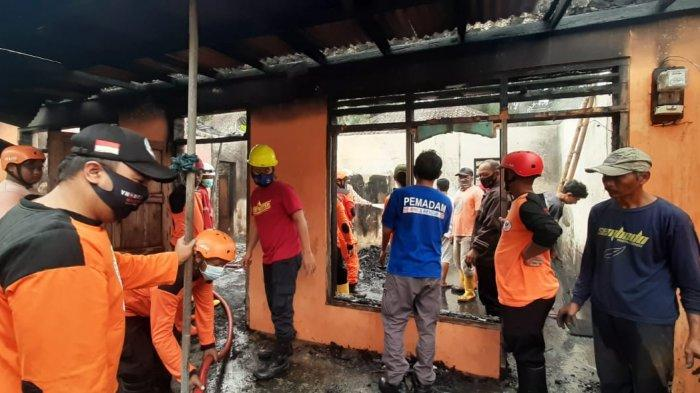 Kebakaran Rumah di Tawangmangu, Beruntung Pemilik Sedang di Luar, Tapi Kerugian Hampir Ratusan Juta