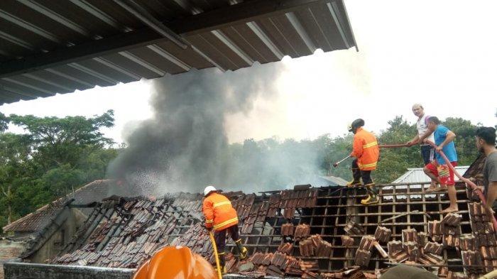 Kebakaran Toko Klontong di Sragen, Polisi Sebut Disebabkan Anak-anak Main Korek Api Didekat Bensin