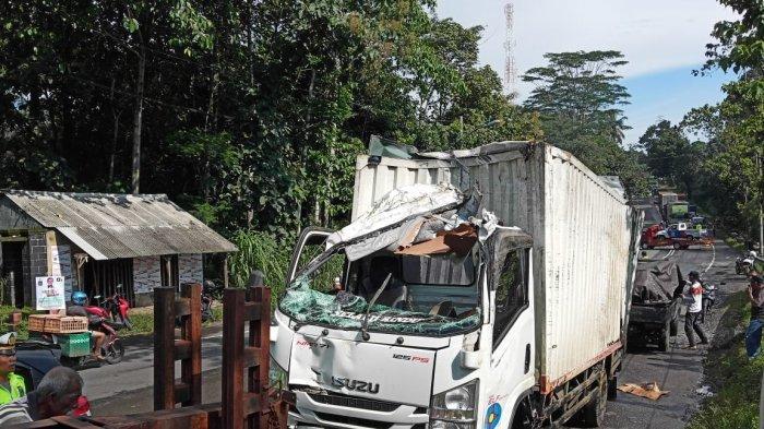 Hujan Deras, Kecelakaan Beruntun Terjadi di Turunan Tajam Jalan Raya Solo-Semarang di Ampel Boyolali