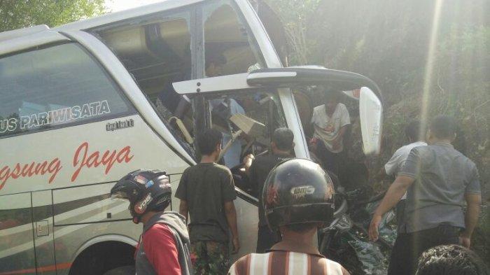 Kronologi Bus Rombongan PKK Boyolali Tabrak Tebing di Imogiri hingga Tewaskan Dua Orang