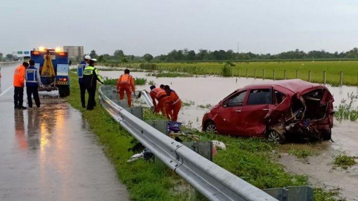 Kecelakaan Mobil di Tol Madiun yang Banjir Tewaskan Seorang Bocah Berusia Lima Tahun