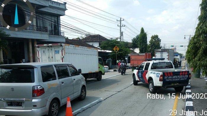 Kecelakaan Karambol di Jalan Solo-Jogja, Libatkan 3 Mobil, Jalur Sempat Macet karena di Lampu Merah