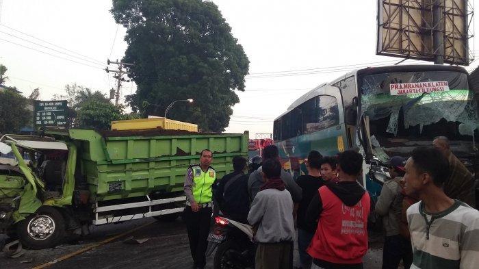 Tabrakan Truk dan Bus di Jalan Solo-Semarang Boyolali, Penumpang Truk Alami Luka Ringan