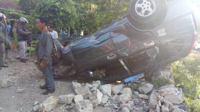 Kronologi Kecelakaan Mobil Terbalik di Giriwoyo, Awalnya Sopir Hindari Rombongan Anak Bersepeda