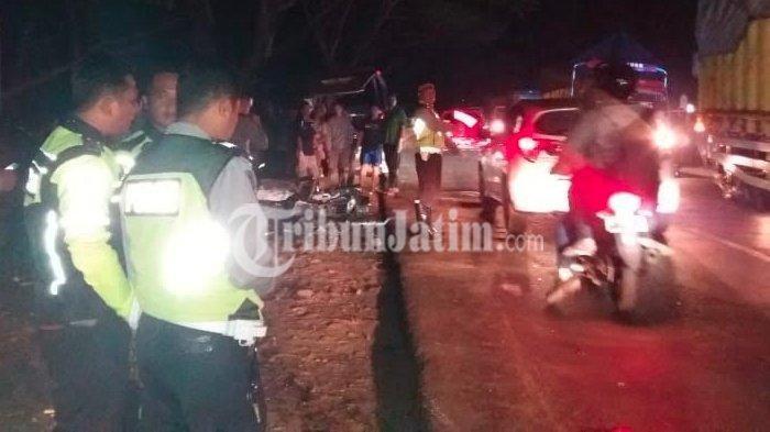 Tangki Bensin Terbakar, 2 Pengendara Tewas Terbakar DiJalan Raya Madiun-Surabaya