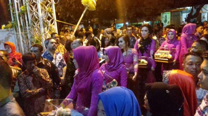 Tiba di Kediaman Jokowi, Bobby Nasution Bawa Seserahan untuk Kahiyang