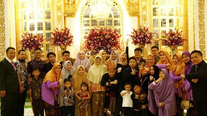 4 Fakta Unik 1 Keluarga dari Ngawi Kuliah di UNS : Ibu Hadiri Wisuda 10 Kali hingga Anak Rela Jualan