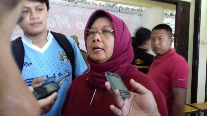 Siswi di Solo Dikeluarkan karena Chatting Lawan Jenis, Disdik: Setiap Sekolah Punya Tata Tertib