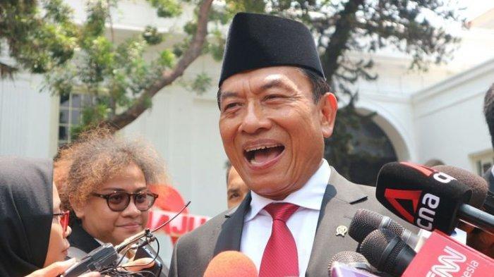Kepala Kantor Staf Presiden Moeldoko usai dilantik Presiden Joko Widodo