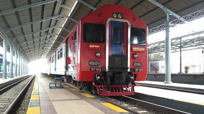 Ayah Ketahuan Merokok di Toilet Kereta Tujuan Solo, Satu Keluarga Diturunkan di Stasiun Bantul