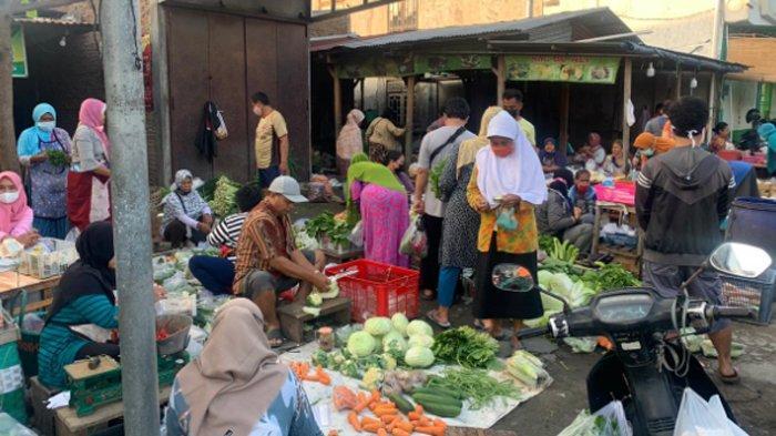 H-1 Puasa Ramadan, Pasar di Solo Raya Penuh Sesak, Warga Berjejal Penuhi Pasar