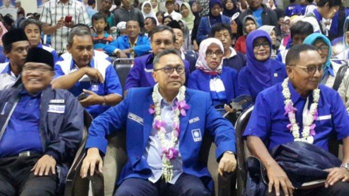 Zulkifli Hasan Minta Kader PAN Rajin Salat Berjamaah di Masjid Agar Suara Tak Diambil PKS