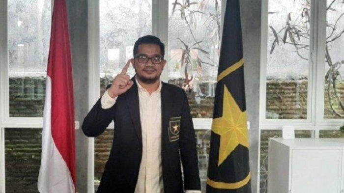 Ketua Umum Partai Ummat Rhido Rahmadi di ruang kerjanya di Lompleks Pendopo Amien Rais Jalan Pandean Sari, Condongcatur, Kabupaten Sleman.