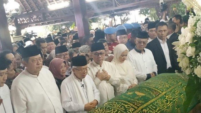 KH Ma'ruf Amin Pimpin Salat Jenazah Ani Yudhoyono di Rumah Duka Cikeas