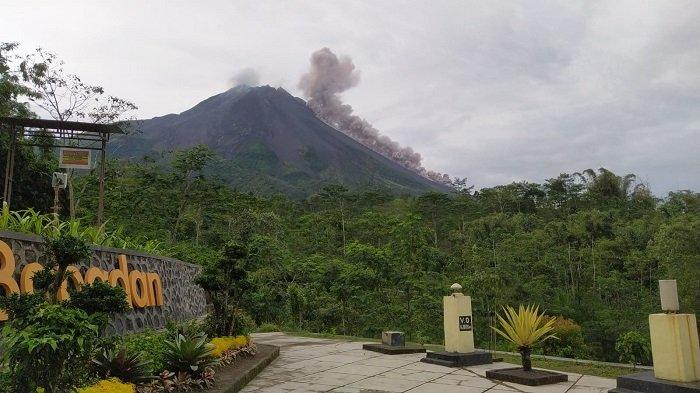 Update Merapi Bulan Juni : Guguran Awan Panas Terlihat Jelas,Warga Boyolali Tetap Beraktivitas Biasa