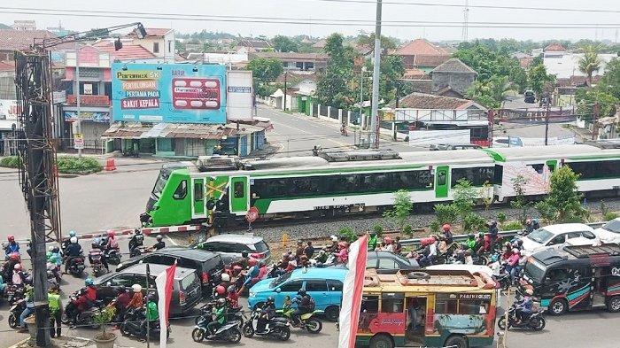 Gibran Sebut Kemacetan di Palang Joglo Sudah Tidak Karuan, Pembangunan Rel Layang Jadi Prioritas