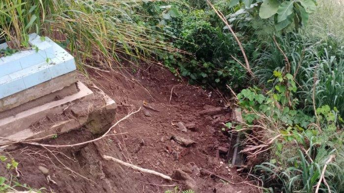 Jenazah Hanyut karena Makam Longsor di Klodran Karanganyar, Rerata Berusia 45 sampai 65 Tahun