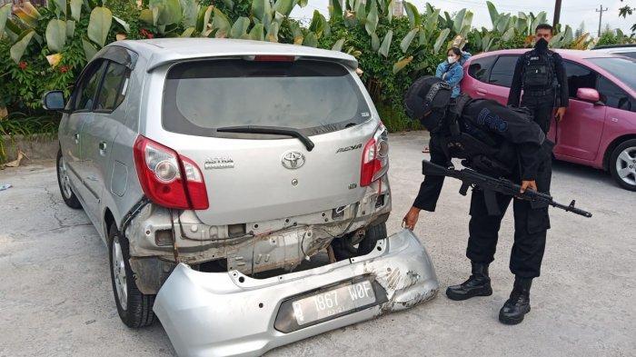 Cewek Bawa Mobil Belok Mendadak, Rombongan Brimob Tabrakan Beruntun di Jalan Adi Sucipto Solo