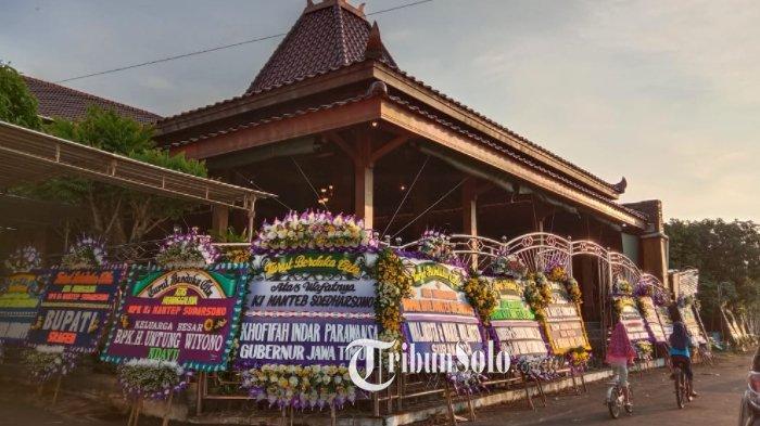 Penampakan Rumah Megah Ki Manteb Soedharsono di Pelosok Desa Karanganyar : Bak Aula Istana Raja Jawa