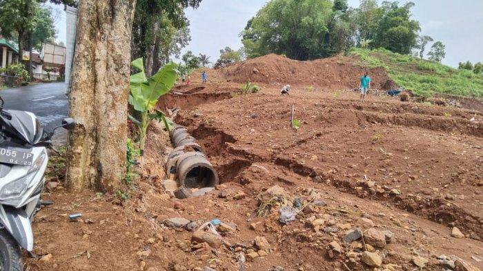 Proyek Irigasi Bikin Jalan untuk Wisatawan di Ngargoyoso Dipenuhi Lumpur, Kades : Kami Evaluasi