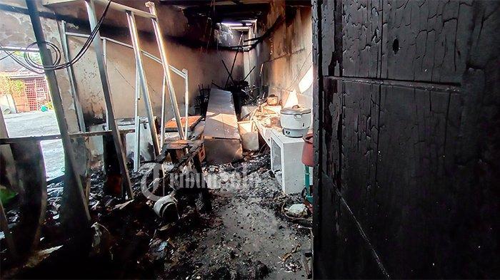 Ngerinya Kebakaran Warung Seafood Kiloan Pak De Solo : Api Muncul saat Staf Masih Tidur di Pagi Buta