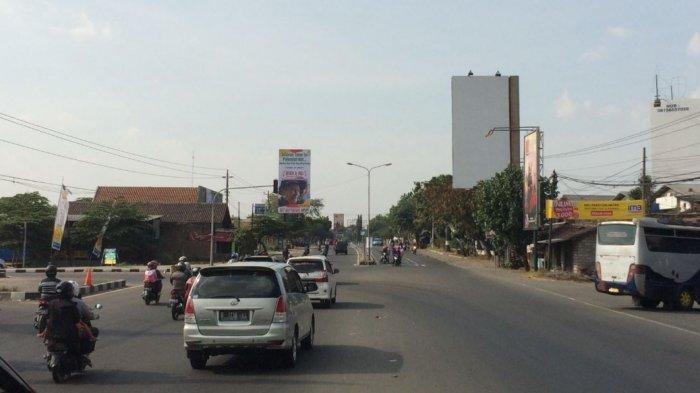 H+3 Lebaran, Arus Lalu Lintas di Jl Raya Solo-Sragen, Sroyo, Karanganyar Terpantau Ramai Lancar