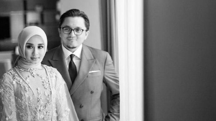 Jarang Unggah Potret Bersama Suami, Laudya Cynthia Bella Pamerkan Foto Mesra Bareng Engku Emran
