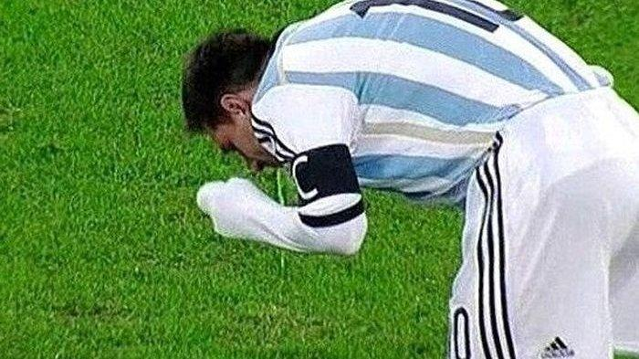 Bukan Kali Pertama, Lionel Messi Muntah Lagi di Lapangan pada Laga Kontra Paraguay, Ada Apa?