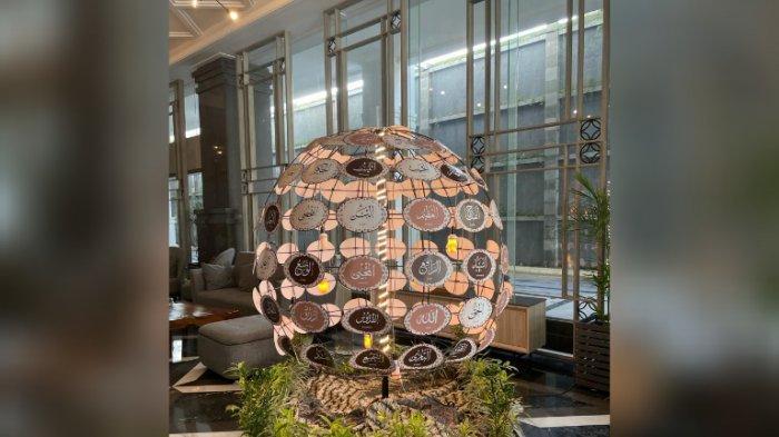 99 Asmaul Husna di Lobby Hotel Solia Zigna Kampung Batik