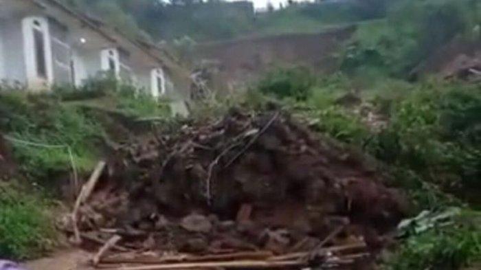 Longsor di Sumedang Buat 14 Rumah dan 12 Orang Tertimbun, Terdengar Gemuruh Sekira 20 Detik