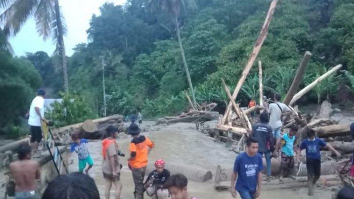 Hujan Deras, Pengungsi Korban Gempa di Sigi Sulawesi Tengah Dihantam Banjir Lumpur