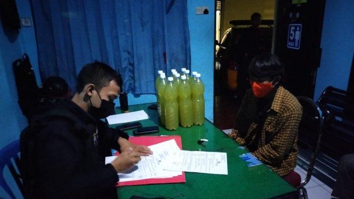 Jual Ciu di Medsos, Dua Mahasiswa Diamankan saat COD Belasan Botol Miras di Sriwedari Solo
