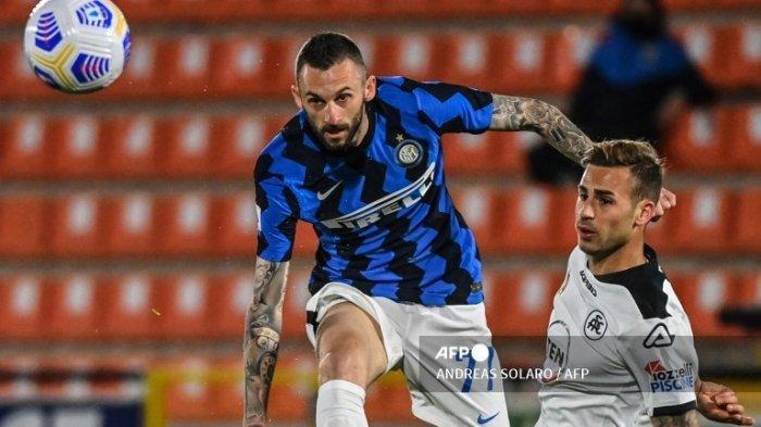 Brozovic Tak Akan Ikuti Jejak Hakan Calhanoglu Pindah ke Klub Rival, Tapi Diincar PSG dan Newcastle