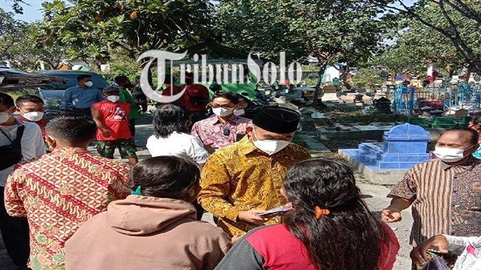 Kesaksian Juru Kunci di Makam Keluarga Jokowi : Banyak Pejabat Ziarah,Terbaru Menko Muhadjir Effendy