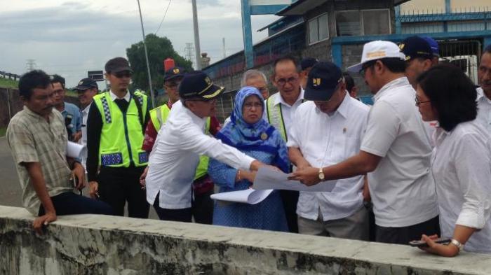 Kelancaran Jalur Mudik, Jokowi Perintahkan Banjir Rob di Jalur Pantura Semarang Segera Diatasi