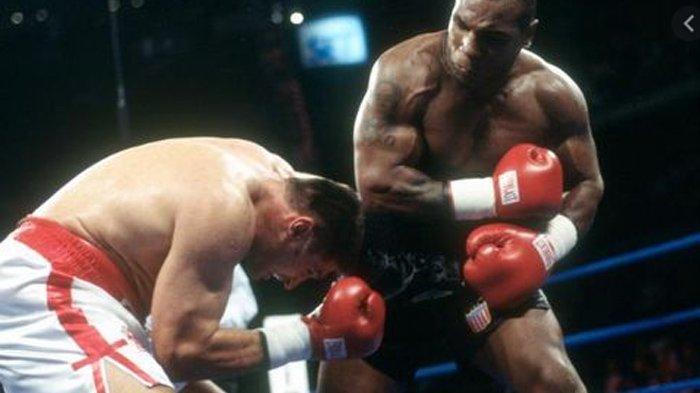 Petinju Ini Pernah Dibabat Mike Tyson dalam 91 Detik, Begini Curhatannya