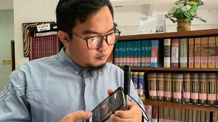 Kisah Misbahul Arifin, Meski Tunanetra Bisa Hafiz Alquran, Kini Jadi Koordinator Takmir Masjid UNS