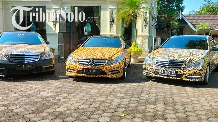 Mobil Mewah di Solo Tak Mau Ketinggalan Rayakan Hari Batik Nasional, Ditempeli Stiker Batik