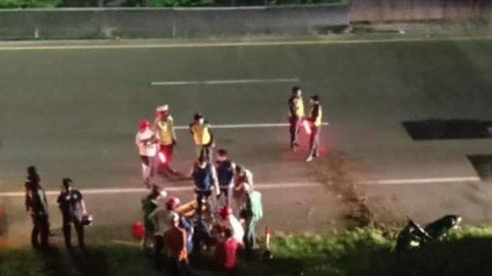 Kronologi Sepeda Motor Terjun ke Jalan Tol Jakarta-BSD, Dua Orang Menderita Patah Tulang