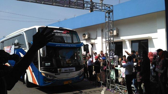 Foto-foto Kemenhub Lepas Rombongan Mudik Gratis di Terminal Tirtonadi Solo